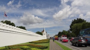王宮の白壁